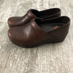 Dansko Brown Leather XP Clogs Size 37